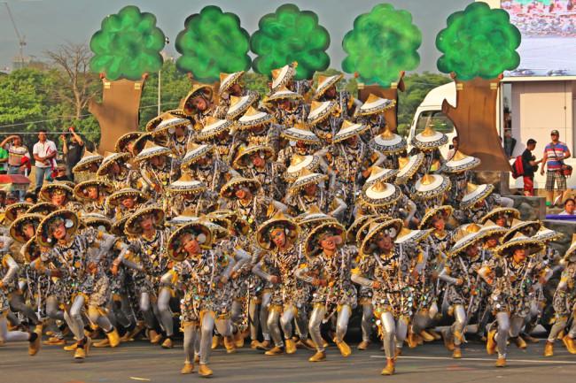 Awesomely Flamboyant Aliwan Fiesta 2014