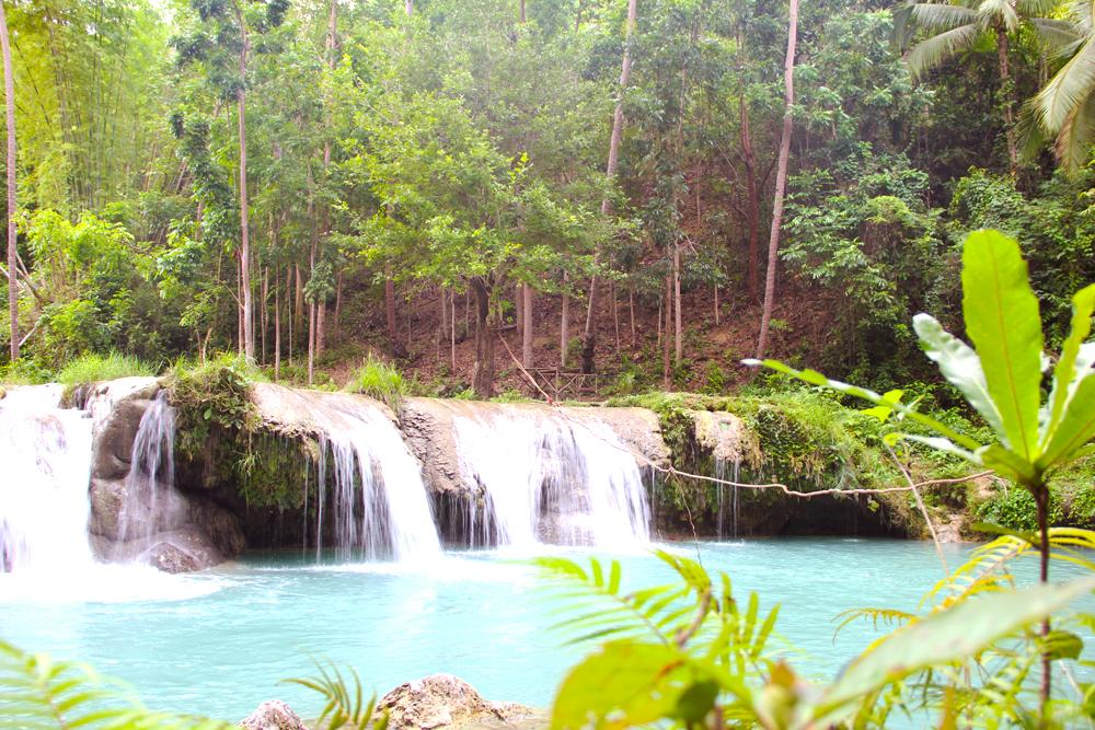 #7. Do a Tarzan in Cambugahay Falls